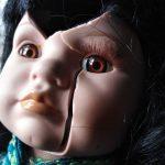 Una noche de terror - La muñeca de porcelana