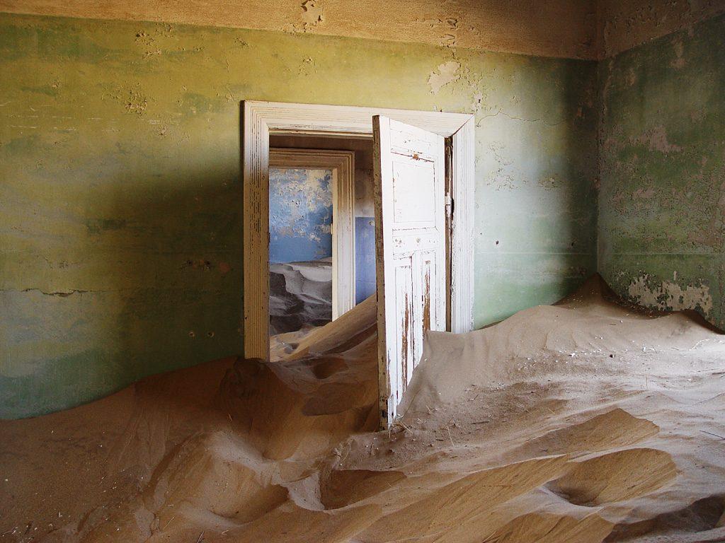Kolmannskuppe - pasillo - Pueblo fantasma bajo la arena