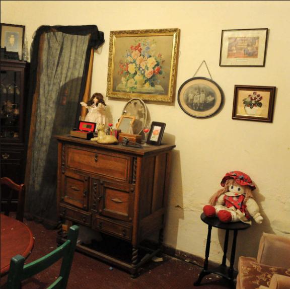 Habitación donde se registra actividad paranormal, presencias, ruidos y movimientos extraños