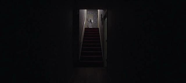 Escaleras casa el conjuro