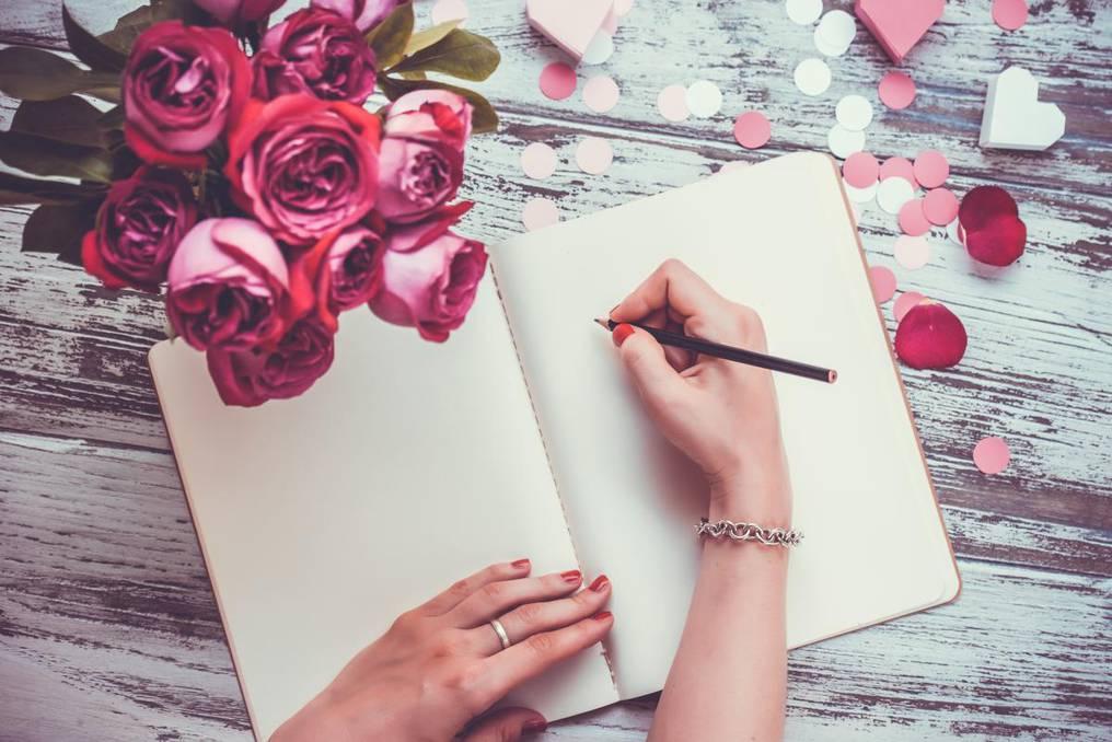 escribir deseos para atraer dinero